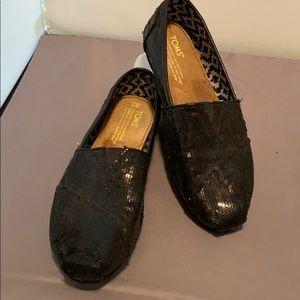 Toms size 7 black sequin flats.